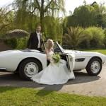 Brautpaar Hochzeitsauto